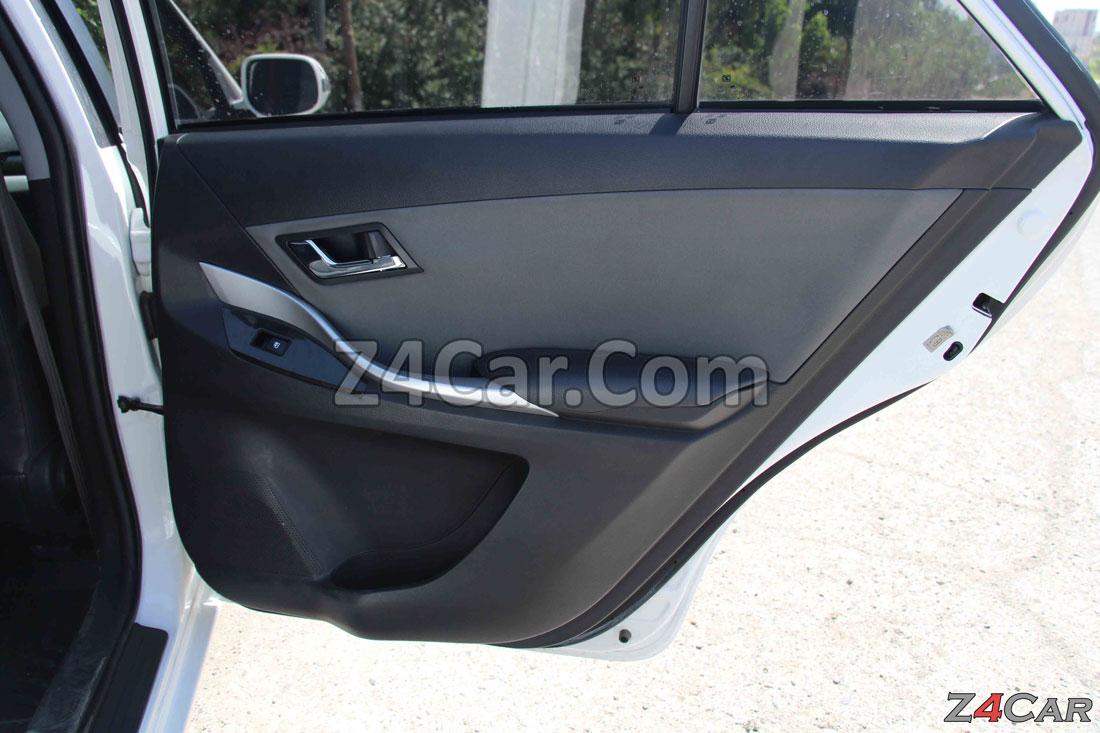 نمای داخلی درب عقب زوتی Z300 (آریو S300)