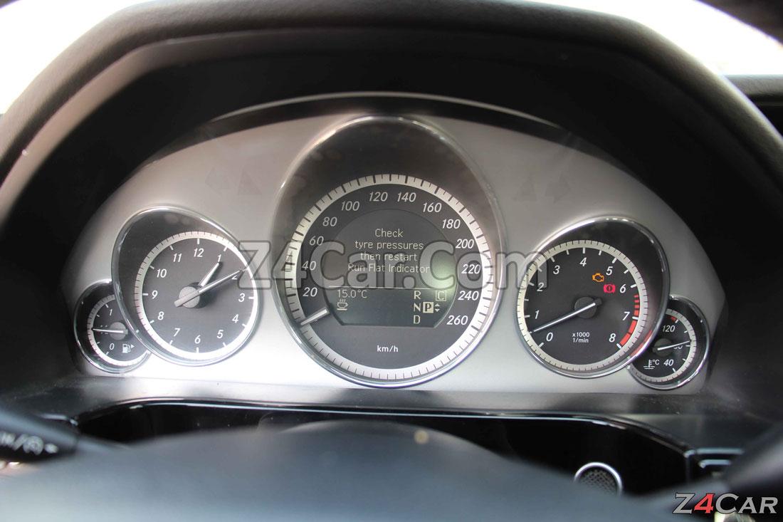 صفحه آمپر و کیلومترشمار بنز E300 مدل 2013