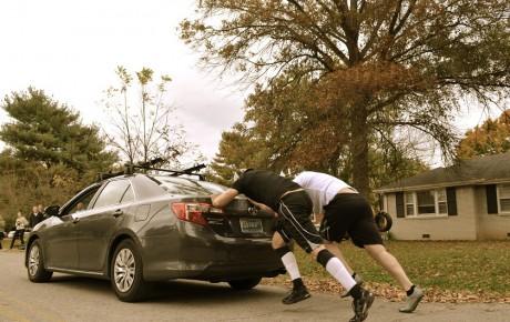 چگونه خودرو را با هل دادن روشن کنیم؟