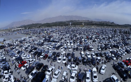 گرانی و کشمکش قیمت در بازار خودروهای داخلی