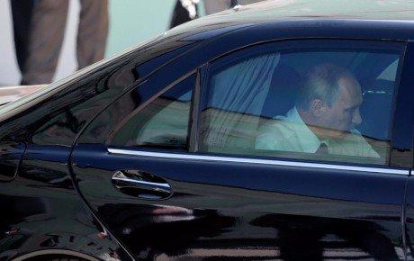 اولین سواری پوتین با لیموزین ریاست جمهوری جدید خود
