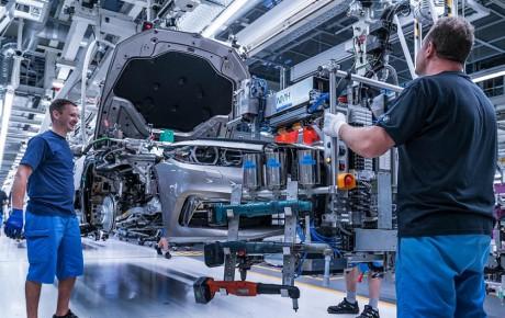 آیا ترامپ خودروسازان آلمانی را از آمریکا بیرون میکند؟