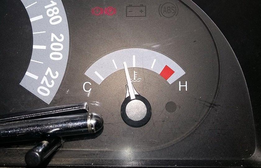 دلیل بالا رفتن آمپر آب خودرو هنگام استفاده از کولر