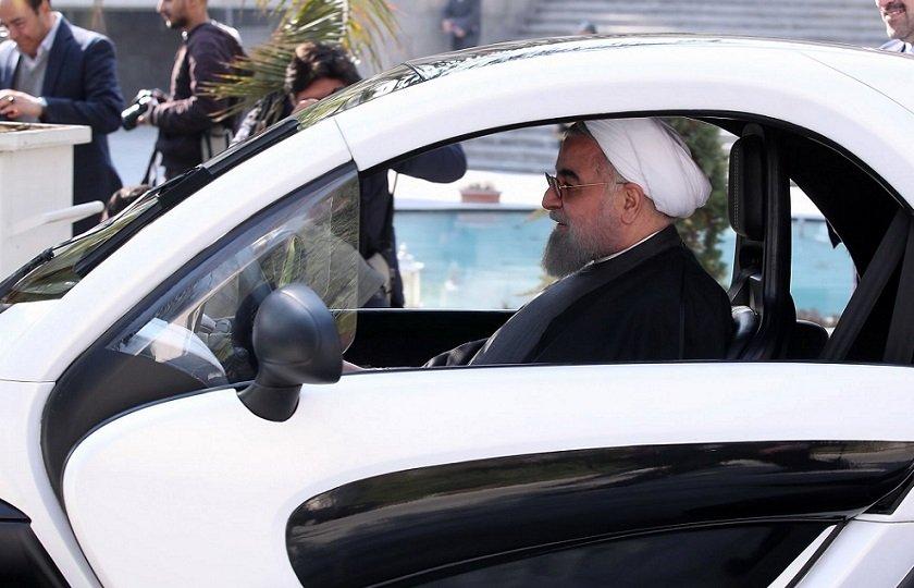 روحانی: تولید خودرو، سکه و تأمین منابع ارزی نسبت به سال گذشته رشد کرده است!