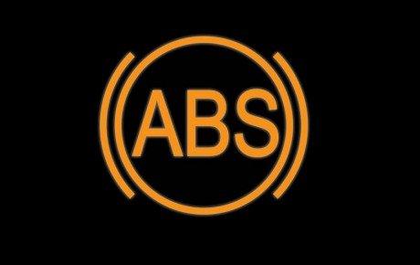 علت روشن شدن چراغ هشدار سیستم ترمز ABS چیست؟
