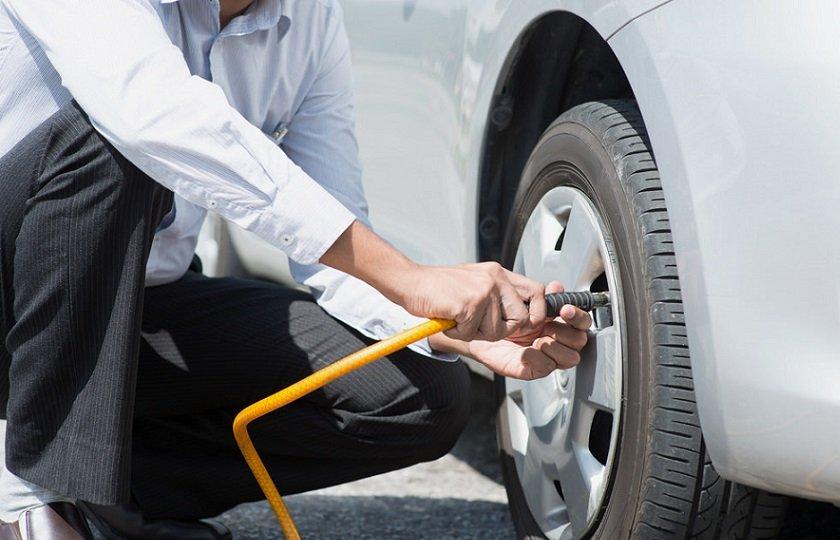 چگونه تایرهای خودرو را باد کنیم؟