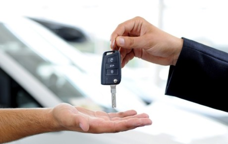 تبلیغهای وسوسه کننده سعی در جذب متقاضی برای فروش خودرو در قزوین