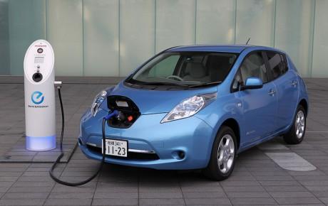 آینده درخشان خودروهای برقی در صنعت خودرو