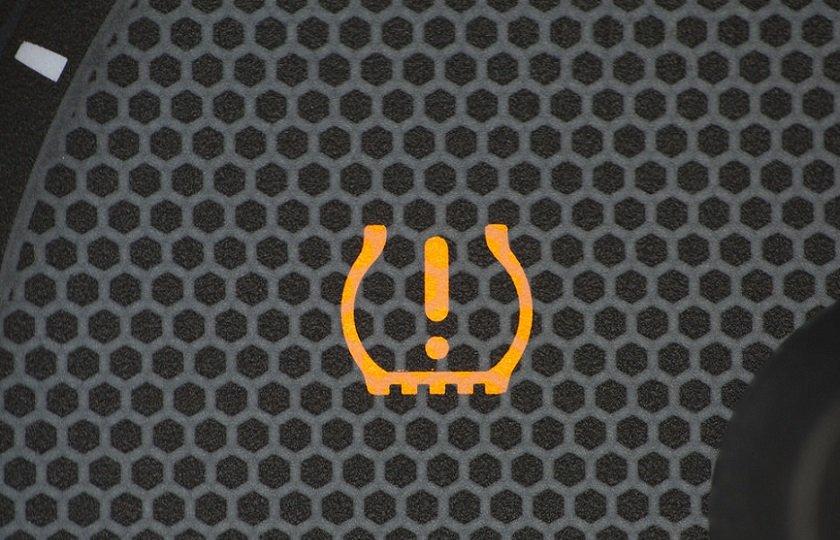 تمام آن چه که باید در مورد چراغ TPMS داخل خودرو بدانید
