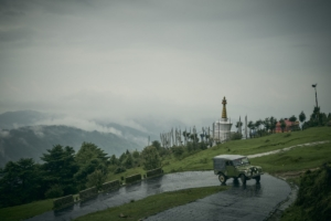 روستایی که بدون لندرور دیفندر میمیرد + ویدیو