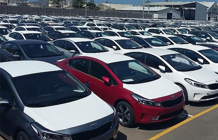 روش موثر در شرایط فعلی: آزادسازی واردات خودرو بدون استفاده از ارز دولتی
