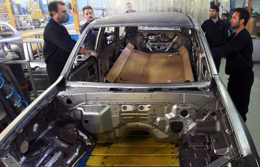 خودروسازان بازار را تشنه نگه میدارند و باعث افزایش قیمتها میشوند