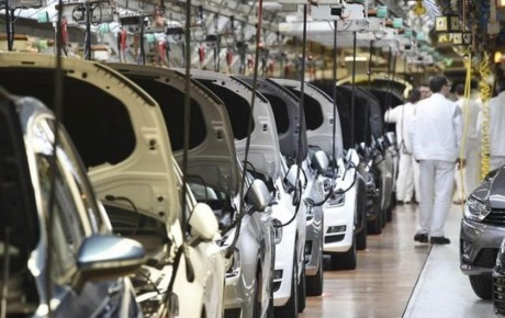 اولویت خودروسازان باید توسعه پلتفرمهای فعلی باشد