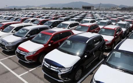 ۱۴ هزار خودروی وارداتی در انتظار دستور رئیس جمهور