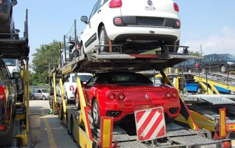 واردات خودرو ۳۰ درصد از افزایش قیمت بازار را کاهش می دهد
