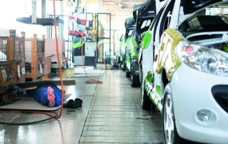 خودروسازان مجوز افزایش ۱۷ درصدی قیمت را از شورای رقابت گرفته اند
