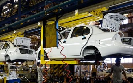 آزادسازی قیمتگذاری خودرو بدون ایجاد رقابت به بازار یک طرفه تبدیل خواهد شد