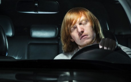 راهکارهای بیدار ماندن هنگام رانندگی در شب