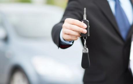 خودروسازان هرچه خودرو عرضه کنند بازار سیر نخواهد شد
