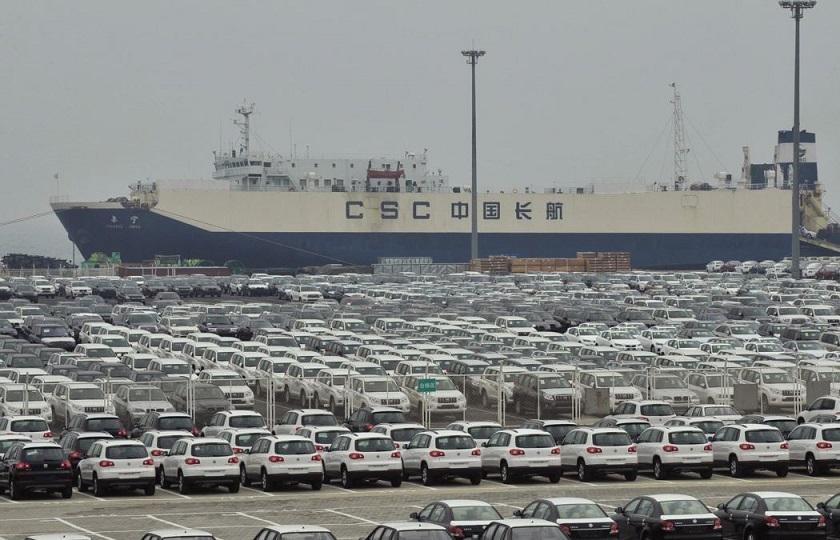دولت باید مجوز ترخیص خودروهای ثبت سفارش قدیم را صادر کند