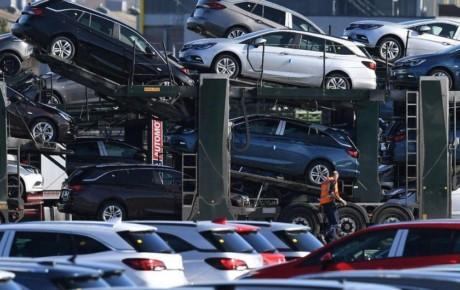 رشد قیمت خودروهای لوکس کمتر از خودروهای کلاس متوسط است