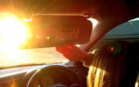 دلایل تابش نور از شیشه جلو خودرو و راه حل آن