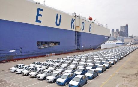 وزارت صنعت واردکنندگان خودرو را از بلاتکلیفی درآورد