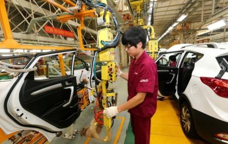 آمار فروش خودرو در چین نزولی شد