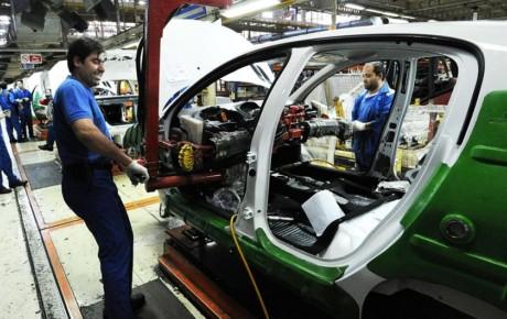 چرا ستاد تنظیم بازار قیمت جدید خودروها را اعلام نمیکند؟