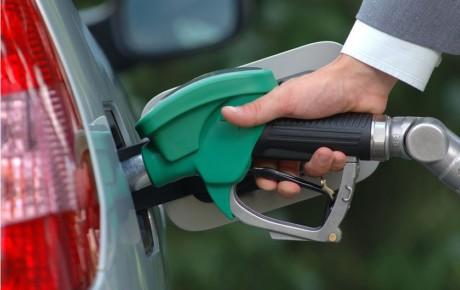 تعیین تکلیف احیای کارت سوخت و سهمیه بندی بنزین