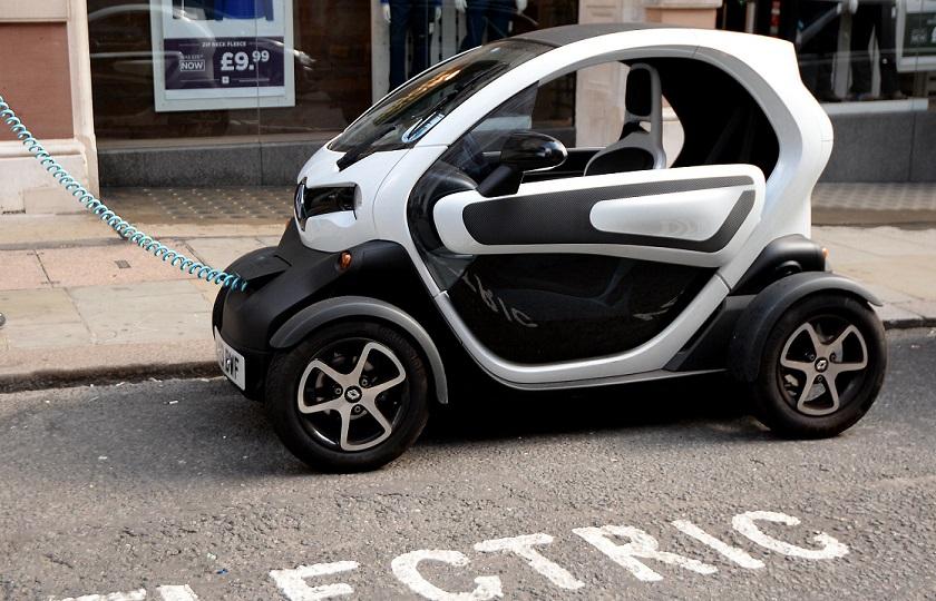 تلاش خودروسازان برای بقا در عصر تکنولوژی