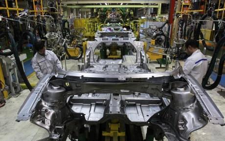 فروش در حاشیه بازار برای به ثبات رسیدن قیمت خودرو