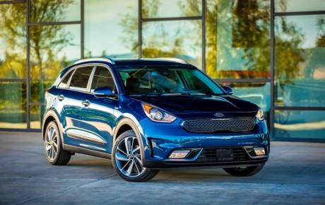 تولید یک خودرو توسط چهار کمپانی