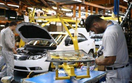 خودروسازان چارهای جز افزایش قیمتها ندارند