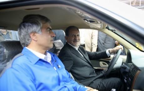 تاکید جهانگیری بر حمایت از صنعت خودروسازی