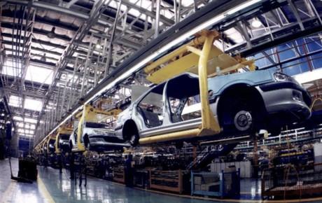 توسعه فناوری تنها راه حل ماندگاری صنعت خودرو در شرایط فعلی است