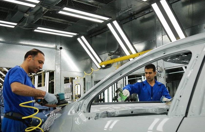 تنها راه نجات صنعت خودروسازی خصوصی سازی است