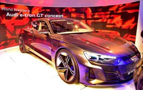 معرفی جهانی کانسپت آئودی e-tron GT در نمایشگاه لس آنجلس + تصاویر