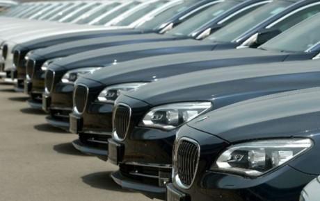 رانت ترخیص خودروهای وارداتی به جیب چه کسانی میرود؟ + ویدیو