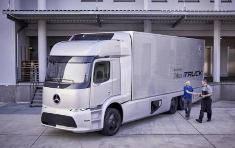 دایملر از تسلا موتورز در توسعه و تولید کامیونهای خودران سبقت گرفت