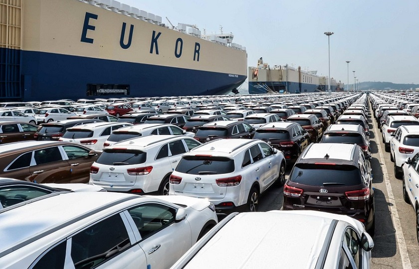 بحث بر سر خودروهای وارداتی