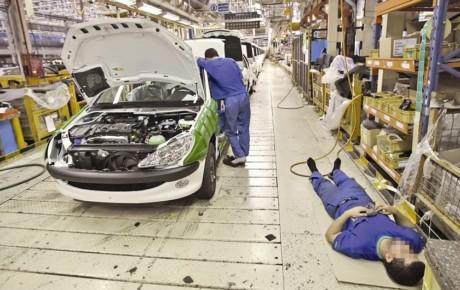 دلالی عامل اصلی گران شدن قیمت خودرو