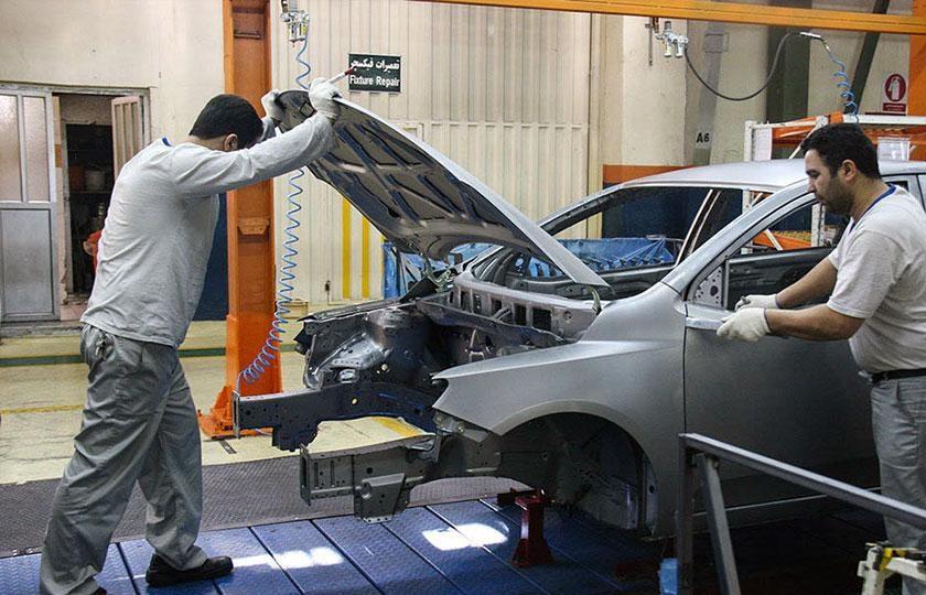 دولت و وزارت صنعت باید از خودروسازان حمایت کند