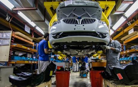 بیاعتمادی به آینده خودروسازان بازار را به رکود برد