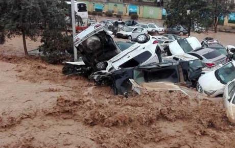 خسارت خودروهای حادثه سیل شیراز پرداخت خواهد شد