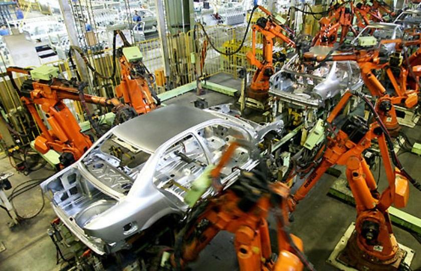 آزادسازی قیمت خودرو سیاستی سنجیده و عادلانه نیست
