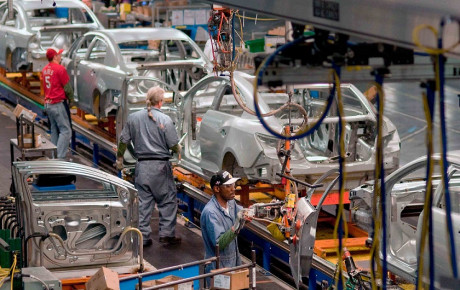 شرایط دشوار خودروسازان جهان