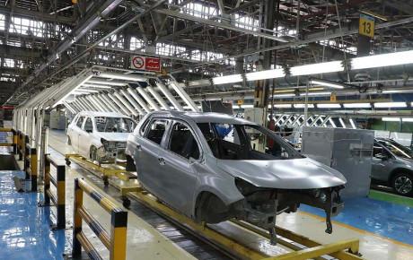 قیمتگذاری خودرو بر اساس حاشیه بازار باید اصلاح شود