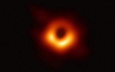 تصویر واقعی سیاه چاله منتشر شد