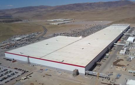 تسلا خبر توقف تولید باتری در کارخانه گیگافکتوری را تکذیب کرد